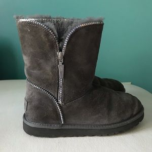 Ugg Boots Youth Size 5